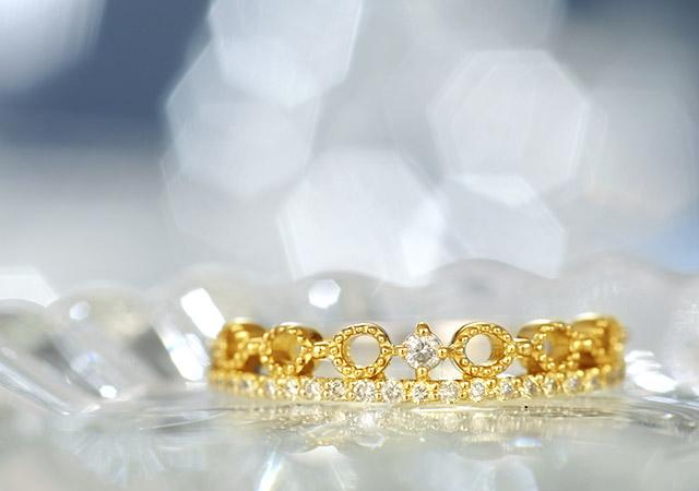 K18 diamond ring awake