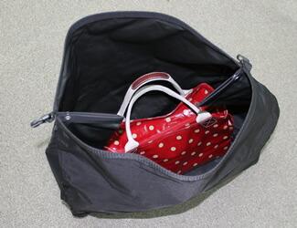 自転車の 雨の日 自転車 荷物 : ... 荷物がいっぱい入るので、周り