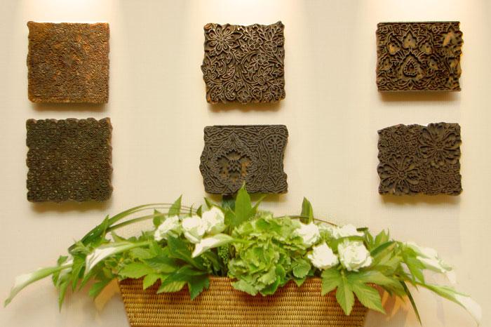 ミャンマー製ハイクオリティラタンは、花器としてもお使いいただけます。