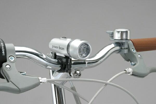 夜間の走行も安心の高輝度LEDライトを標準装備!!