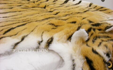 查看原始页面 毛绒的动物玩具和玩具 老虎 / 老虎的地板垫子 [免费