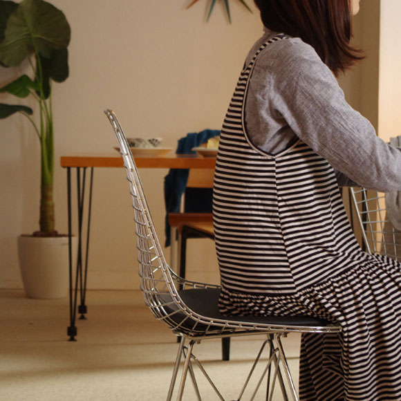 eames wire dining chair 2