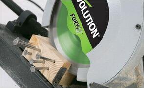 釘ビス入り木材切断