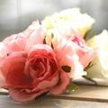 Wanda full Rose corsage