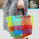カラフルカゴ bag! Leisure activities such as sea or pool tasty gift bag is perfect for presenting items of coordinating ♪ visible gradient pattern woven into a mesh vinyl tape bag ◆ キャンディーカラーサンシャインビーチ bag