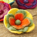 The broach of a colorful flower. The accessories ♪ / badge / badge / safety pin ◆ felt flower mil mil corsage that it is excellent at presence even if I touch it where in the motif with the three-dimensional impression that I use a thick felt material wi