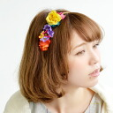 "Exceptionally sweet Katyusha who rode an artificial flower decoratively. The hair arrangement unnecessary hair accessories that ""arriving"" is used to cutely. Delicate on the small side type flower motif ◆ ブルーミングコサージュフラワーカチューシャ which expands and"
