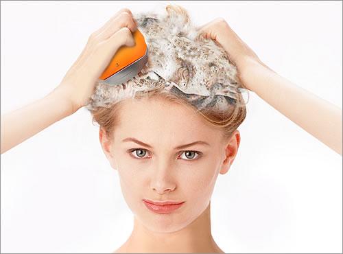 電動ブラシで頭皮の汚れがしっかり落ちます。