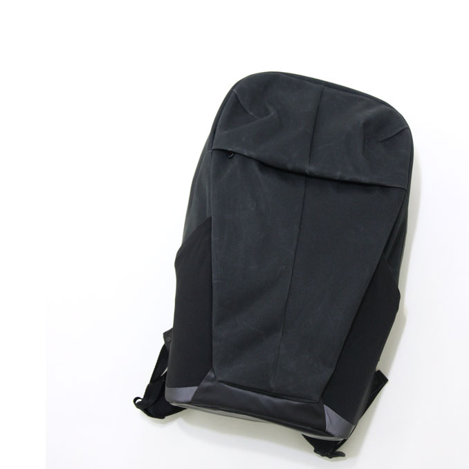5c1e2d12aedf Alchemy Equipment(アルケミーエキップメント)AEL006 20 LITRE SOFTSHELL DAYPACK BLACK WAX