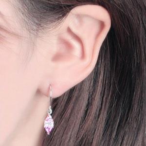 しずくをイメージした淡いピンク&クリア