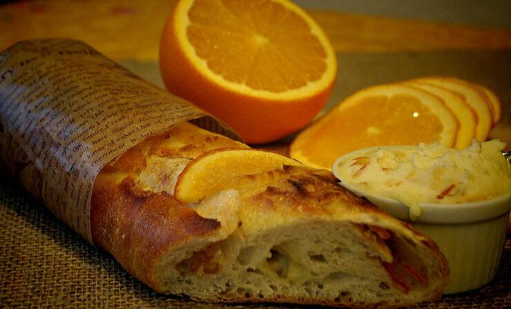 【パーネ・アランチャ】自家製オレンジクリーム、オレンジコンフィ、オレンジピールをつかったオレンジ尽くしの人気商品