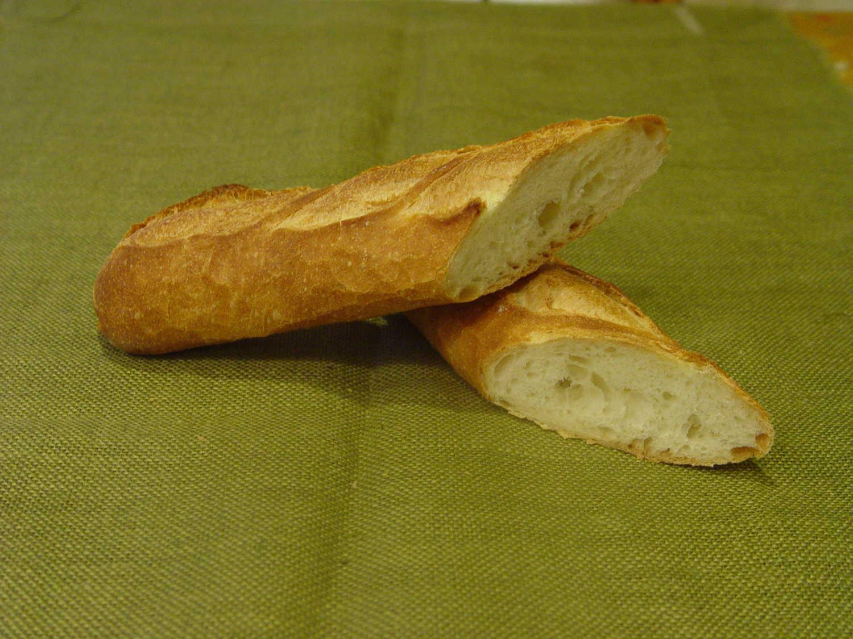 【バケット】フランスの製法を取り入れた本格的なフレンチバスケットです。どんな食事にも合います