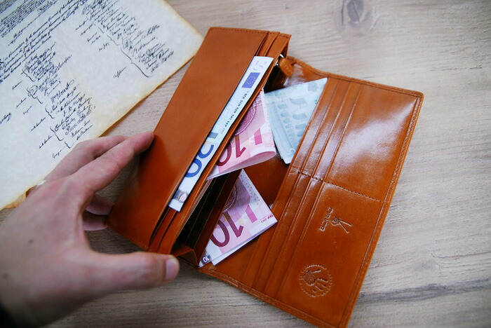 Ollie Che leather long wallet