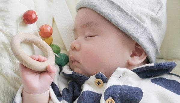 赤ちゃんおもちゃ