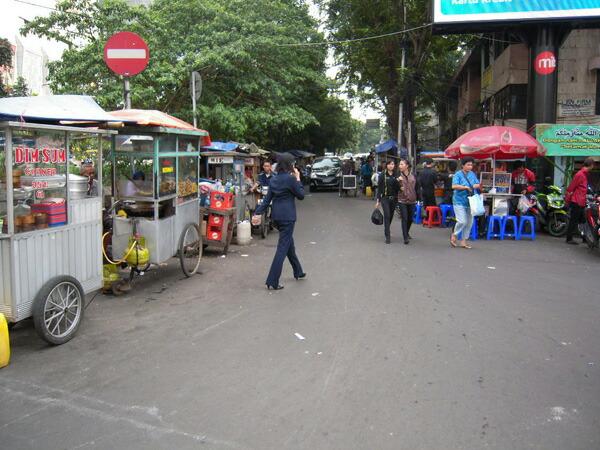ジャカルタの街の様子 屋台