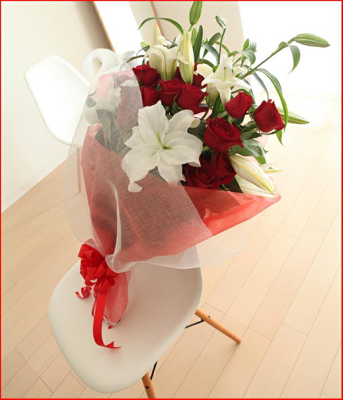 カサブランカと赤バラ椅子
