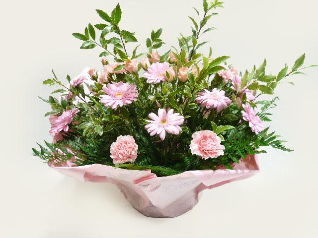 展覧会出展へ贈る花