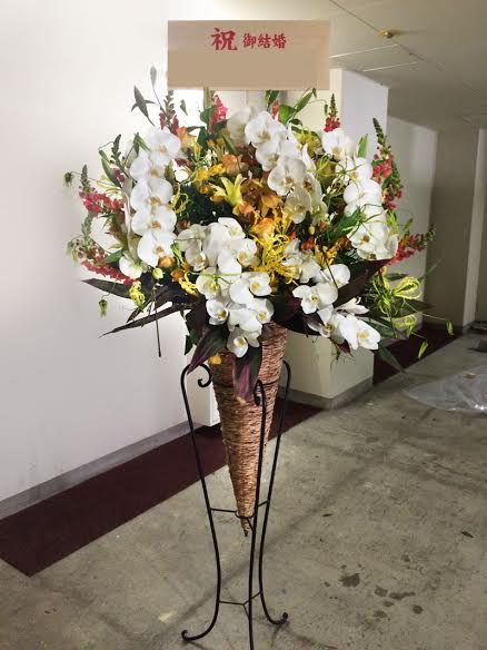 胡蝶蘭入りスタンド花