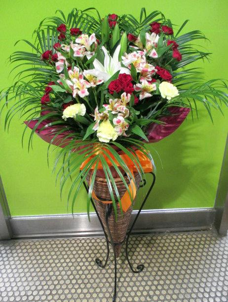 開業祝いのスタンド花