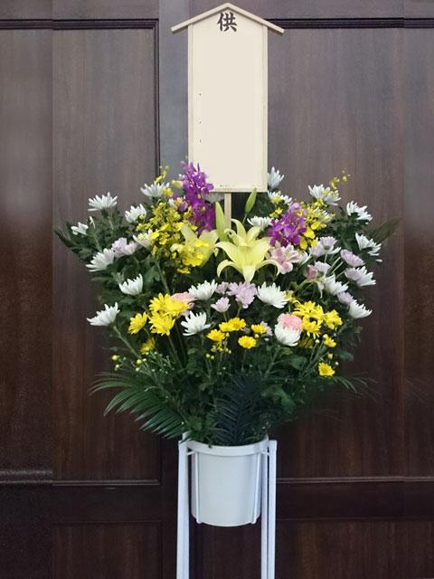 葬儀ホールへのお花