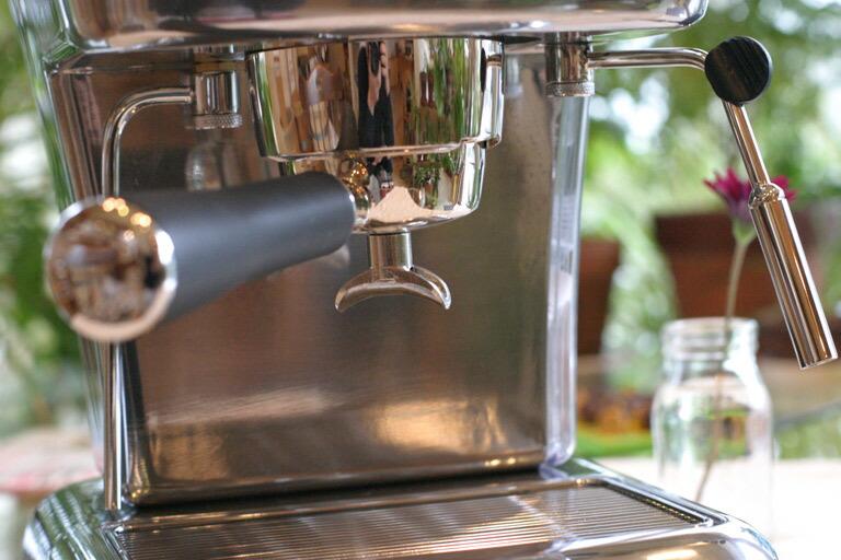 can you use bialetti espresso maker electric stove
