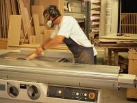 ベッド・寝具・パッド・シーツ・枕・ヘッドボード・・・等々・・全てのホテル向け商品は、熟練されたプロ職人の技術の結晶です。