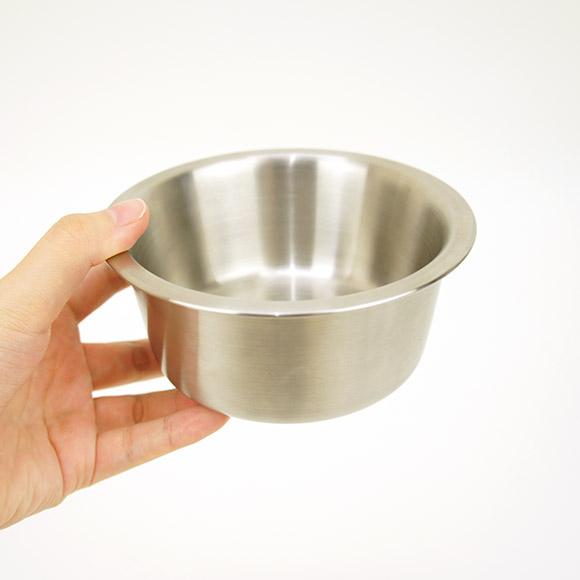 【犬】【猫】【食器台】手に持つとこのくらいです