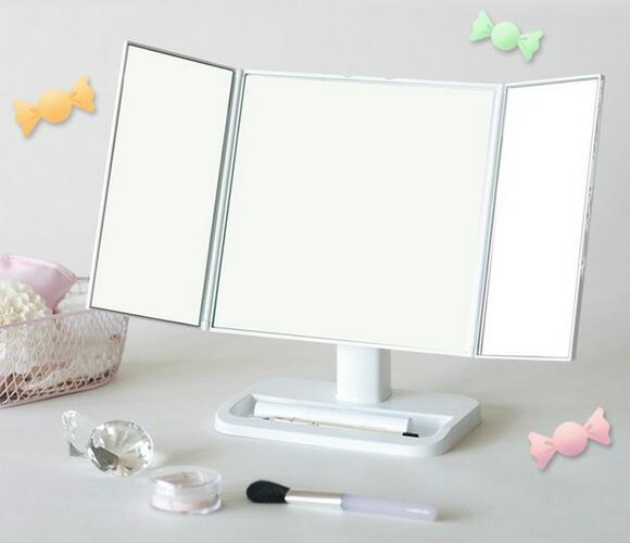 ホワイトのスタンドミラー  コンパクトミラー イメージ写真