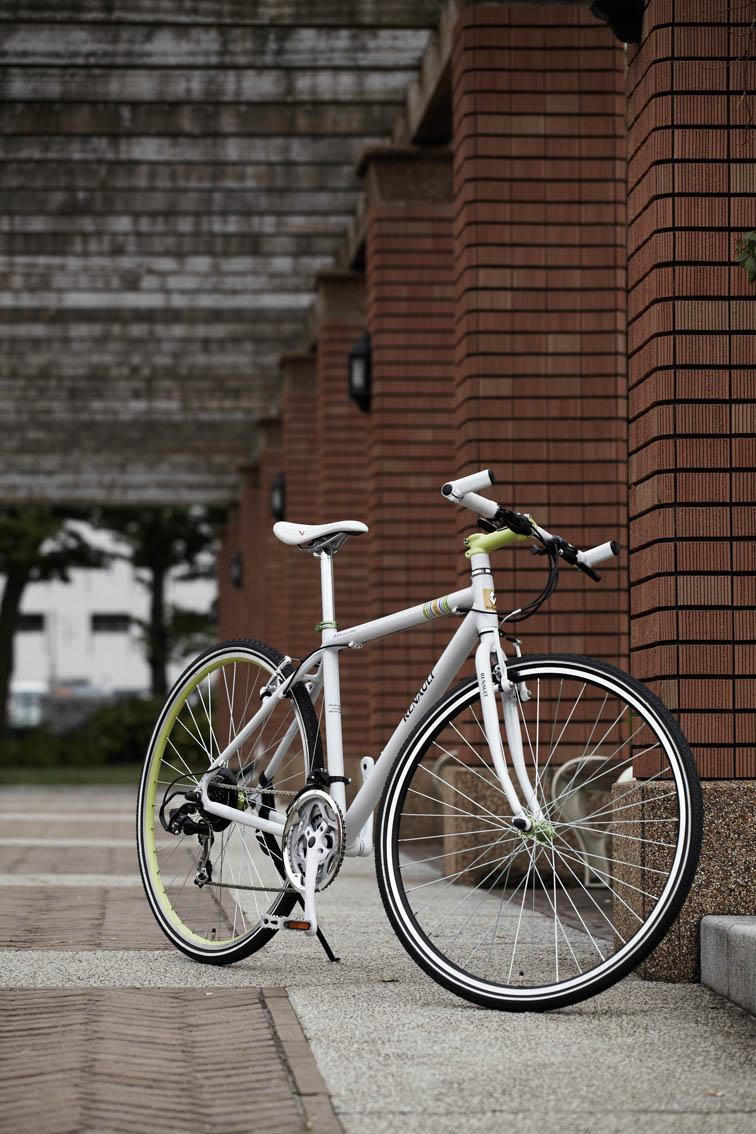 クロスバイク 700C 自転車軽量 アルミフレーム 7段変速 クロスバイク自転車 通販 通勤通学に便利 RENAULT AL-CRB7021 【送料無料】クロスバイク 700c 自転車 アルミフレーム軽量