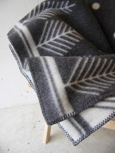 roros tweed vinterskog grey 130 200cm. Black Bedroom Furniture Sets. Home Design Ideas