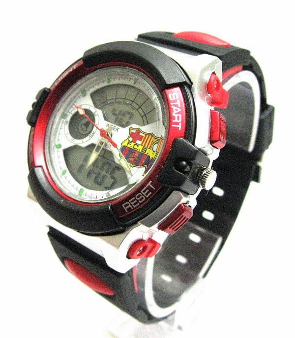 サッカー,車,ビンテージの時計をイタリアから収集お土産