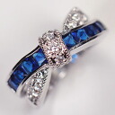 The ♪ antique ribbon ring where sapphire CZ & clear CZ intersects