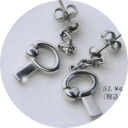 Titanium allergy-free piercing MARE a little key on the heart and the cute rocking! Express 100 yen up