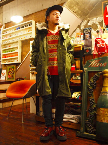 2013年12月5日 赤を効かしたワークスタイル 着こなし コーデ スナップ 古着