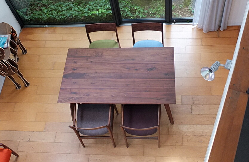 Forest 32 Table