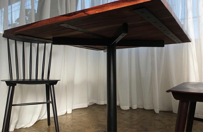 ソリッドスクエアテーブル