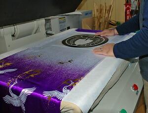 鯉のぼりの家紋工程