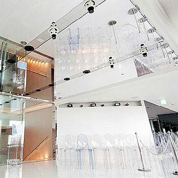 世界貿易センタービル いしかりで使用されている割れない鏡 リフェクス リフェクス ミラー