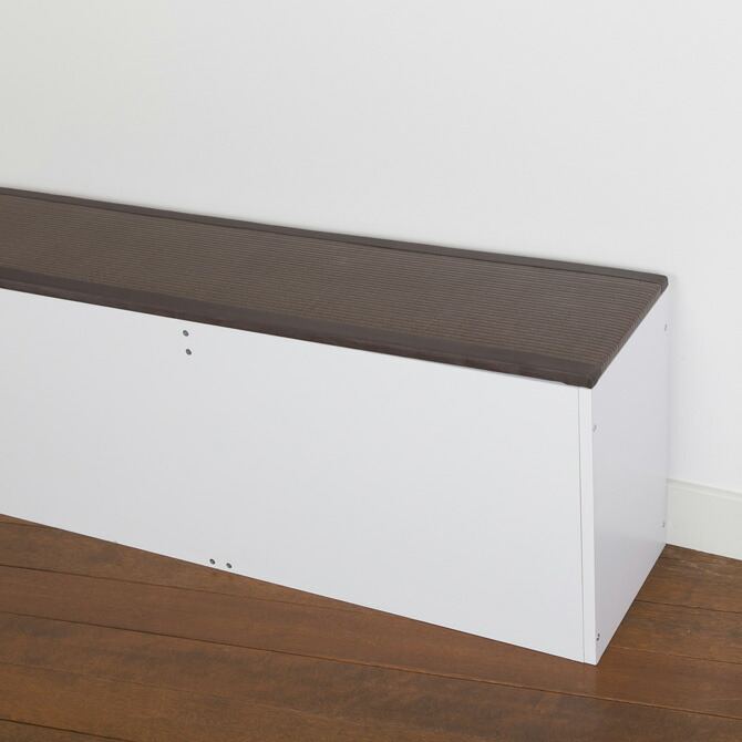 樹脂畳ベンチ スリムタイプ 幅180cm リビングに置けば腰掛けベンチとして活用できます。