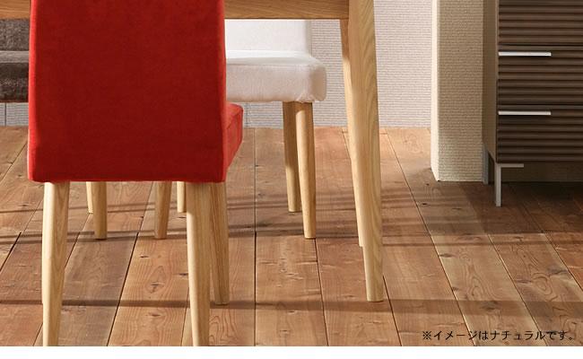 おうちカフェ気分の木製ダイニングチェアー02