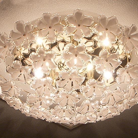 リモコン付シャンデリア「BLOOM(ブルーム)」の画像。当店照明ランキング2位獲得!