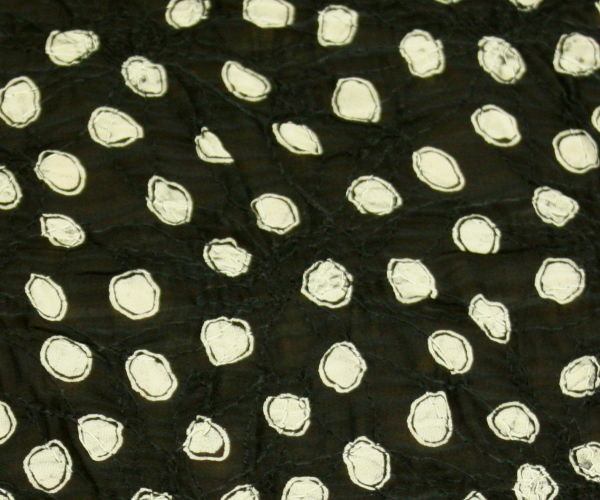 ポリエステル100% 花柄の刺繍レースにランダム・ドット プリント♪シフォンジョーゼット♪日本製高級生地 布 生地 布地 服地 通販  ポリエステル 10cm単位 シフォン ジョーゼット ドット柄