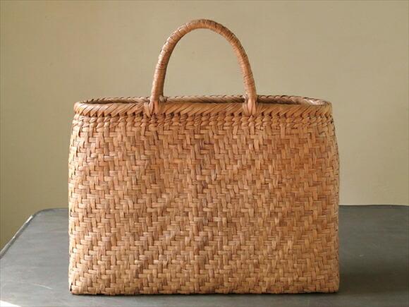 女士包 提篮包包 手提包型 商品详细信息   用一个简单的形状钩针网代