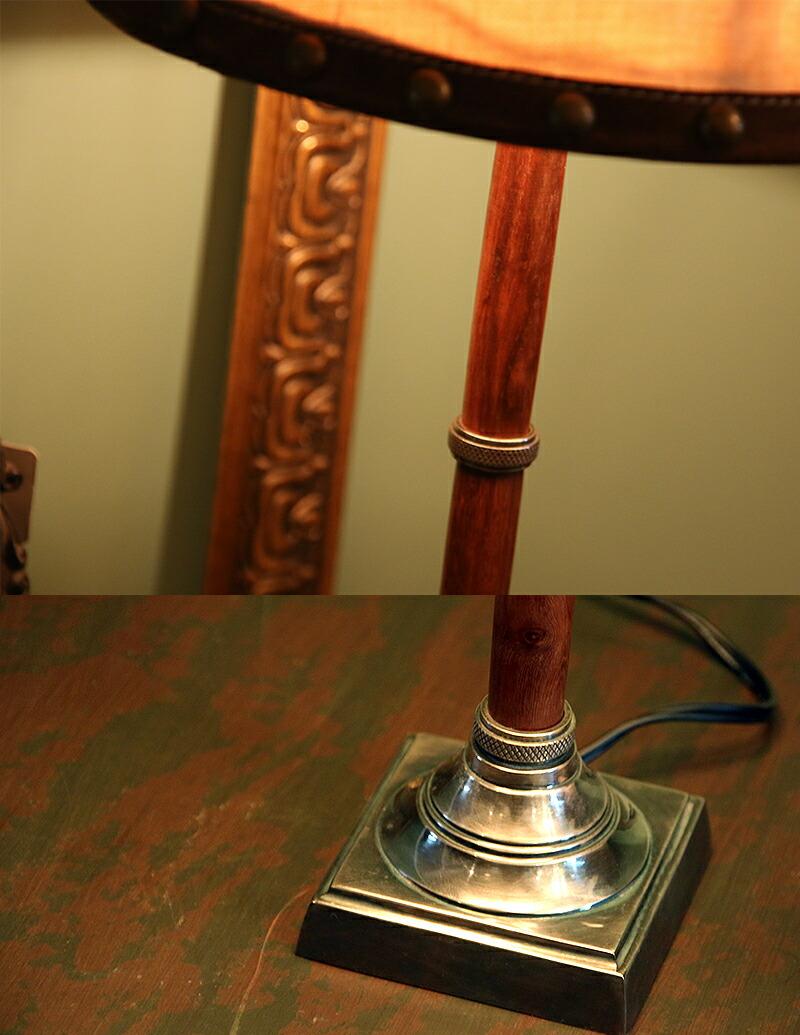 身体是细长的装饰经典设计. 开关电源线的中间. 包括的灯泡