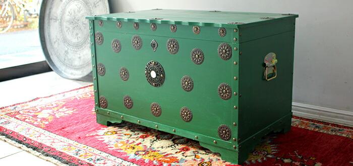 トルコの木製宝箱サンドゥック