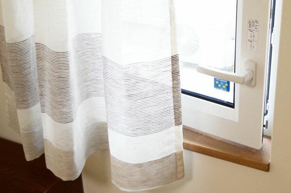 腰窓カーテンのイメージ