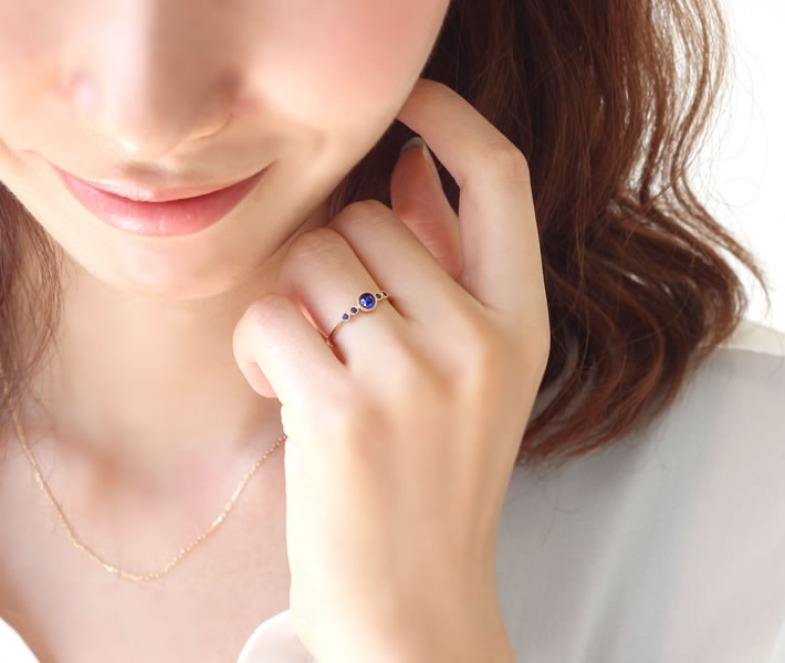予算5万円~10万円 9月誕生石サファイア指輪リング ~大人可愛い系~ 【Bizoux(ビズー)】 53,784円(税込)