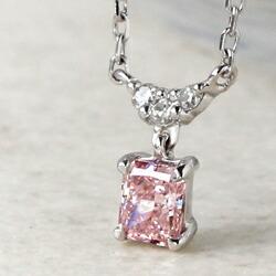 K18天然ピンクダイヤモンドのネックレス
