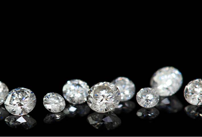 SIクラス以上0.85ctダイヤモンド18金パヴェリング「ルミエールブーケ」に使用しているルース