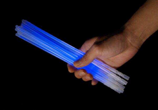 光るサイリウムブレスレット